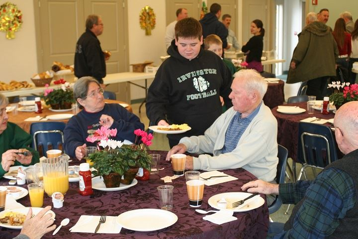 2011_SENIOR_BRUNCH_021